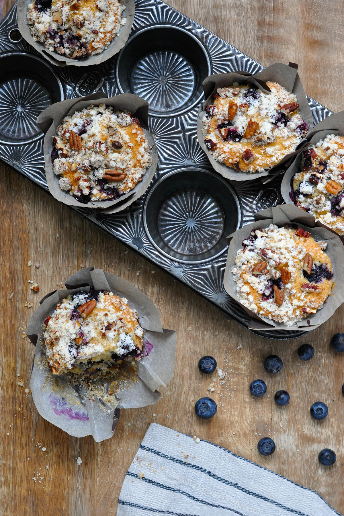 Blueberry Coffee Cake Muffins with Pecan Topping