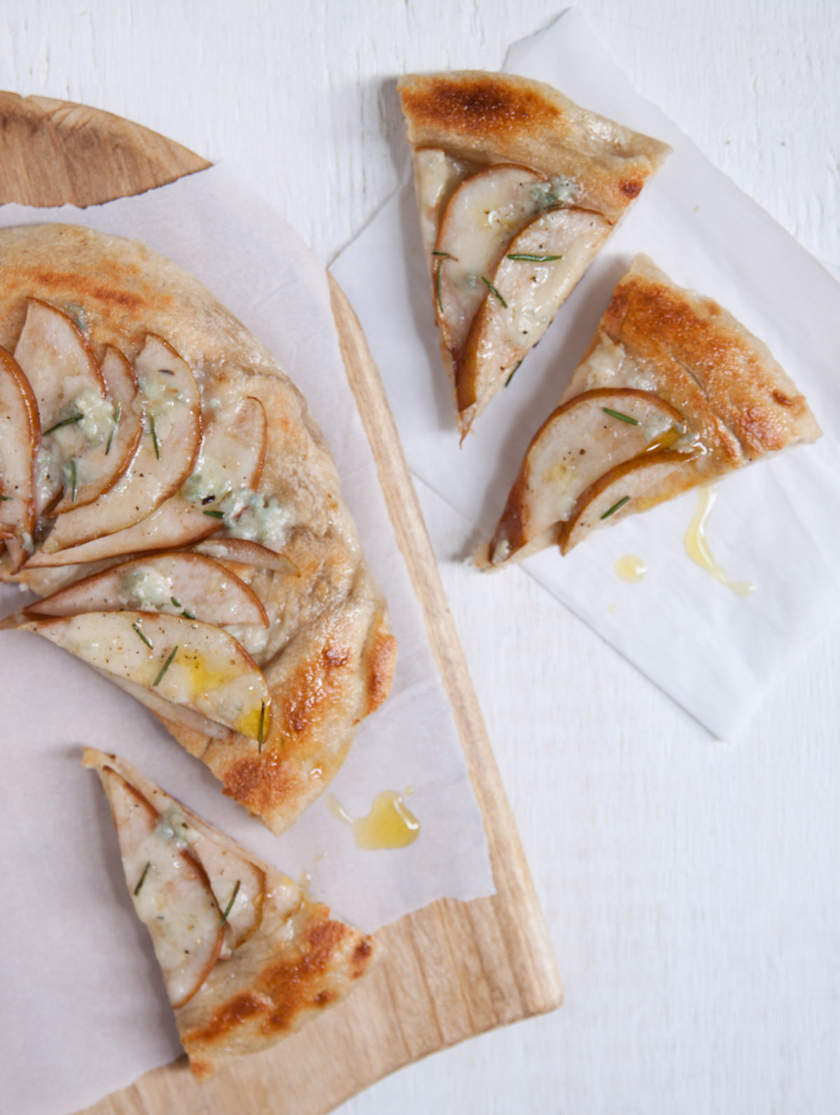Pear and Gorgonzola with Rosemary Pizza