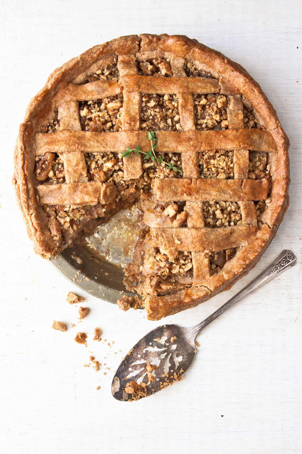 Pear Pie with Spiced Pecans and Gorgonzola