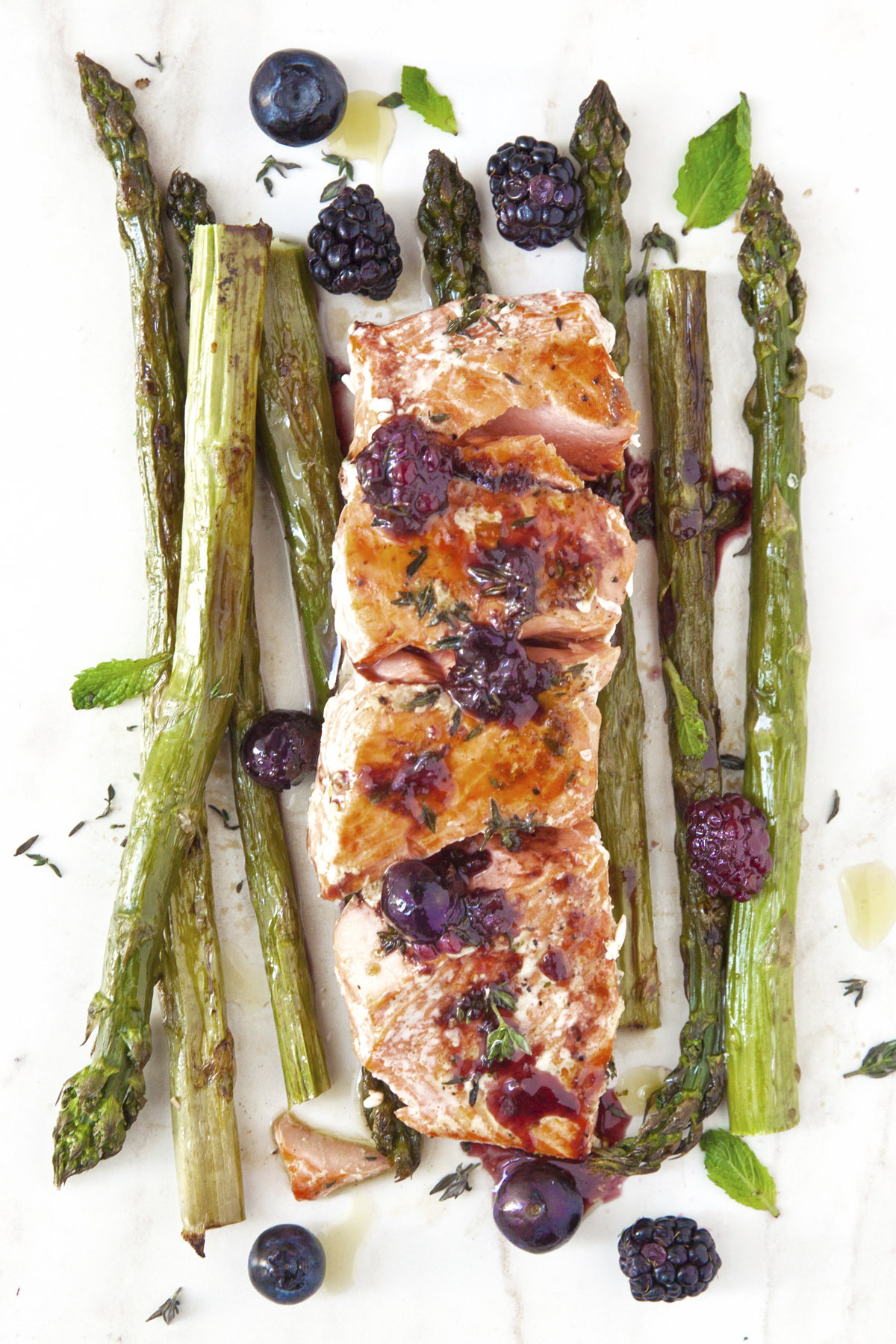 Grilled Salmon with Asparagus and Berry Sauce