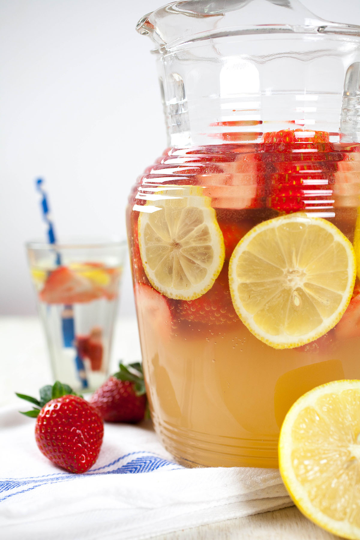 Lemon Strawberry Fizz