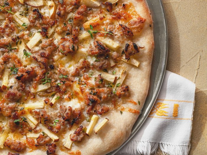 apple and sausage pizza